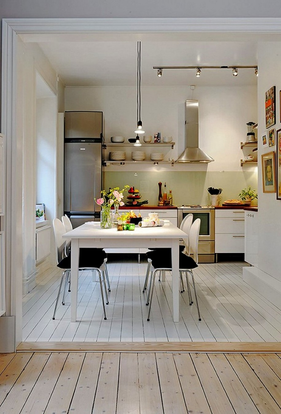 Small kitchen design ideas and flooring