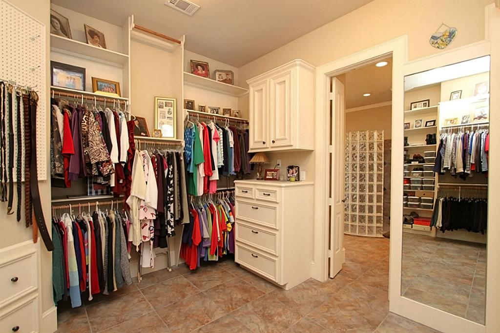 Belts peg board to design your closet